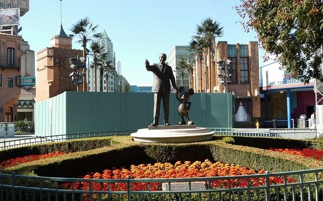 "The Words Walt Disney Used at the End of Each Hallway Meeting: ""Keep Up the Good Work"""