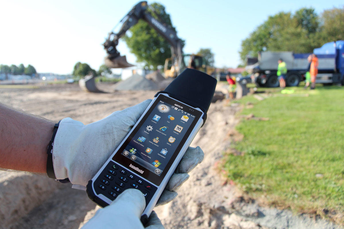 Meet Nautiz X8, a Versatile Tool for Field Workers
