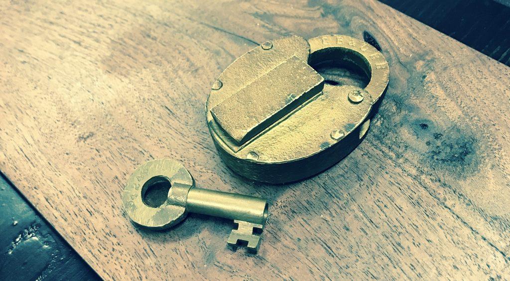 lock-2144919_1920-1024x564.jpg