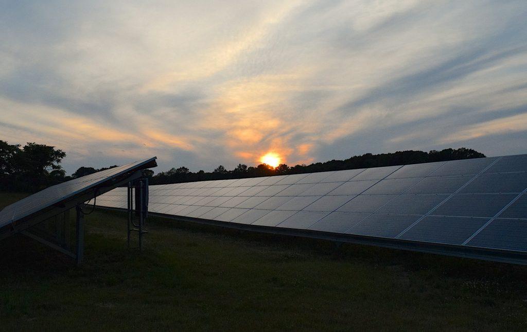 solar-panels-2458717_1920-1024x645.jpg
