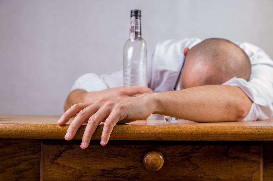 alcohol-428392_960_7201.jpg
