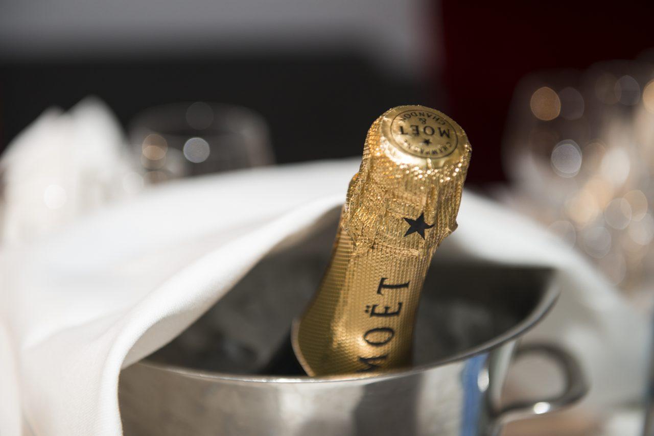 champagne-1280x854.jpg