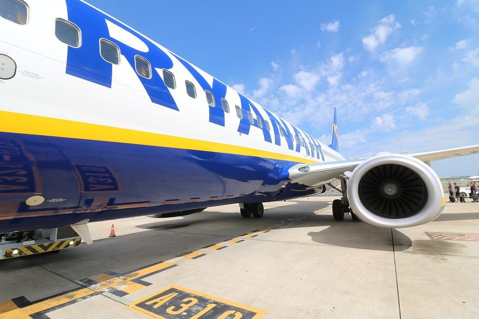 aircraft-2410190_960_7201.jpg