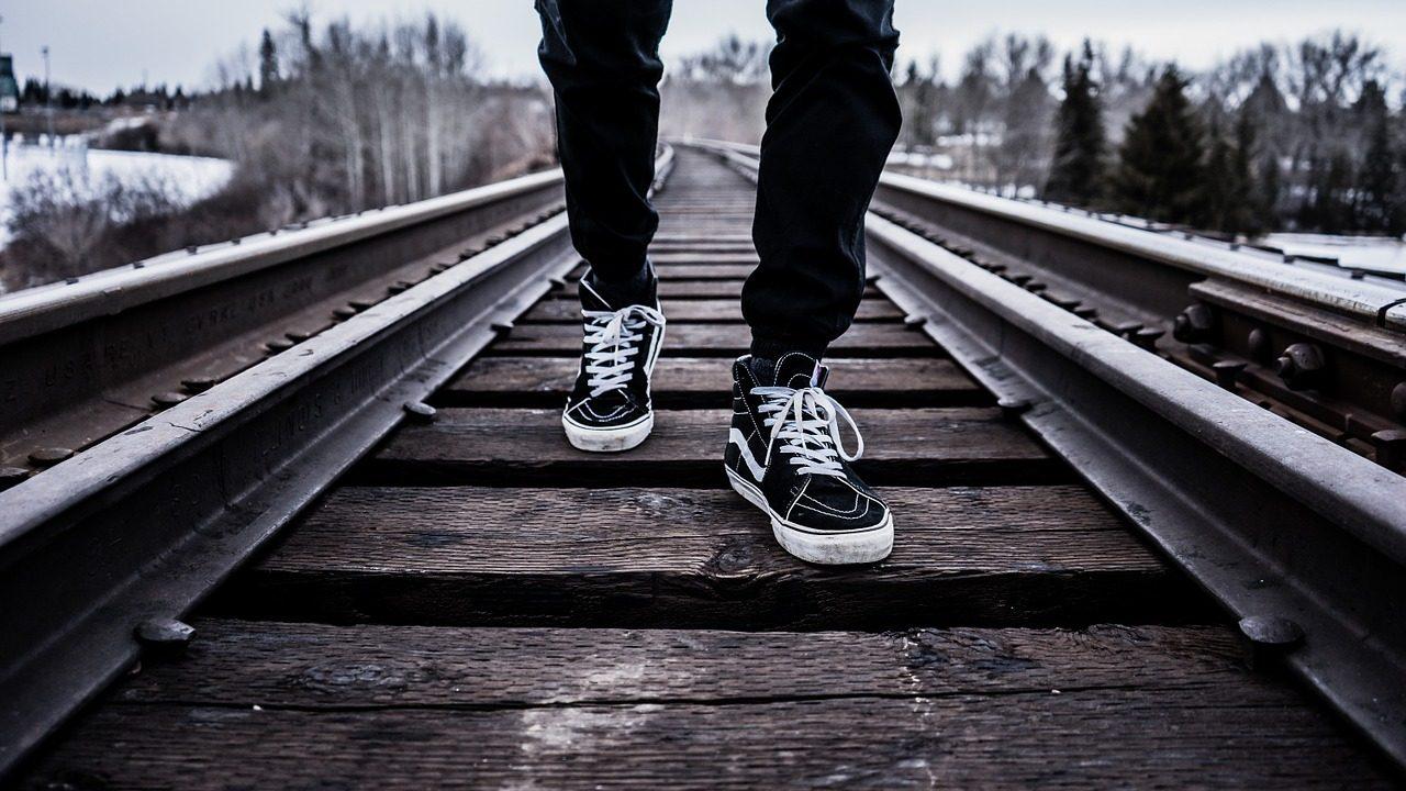 shoes-1245920_1280-1280x720.jpg