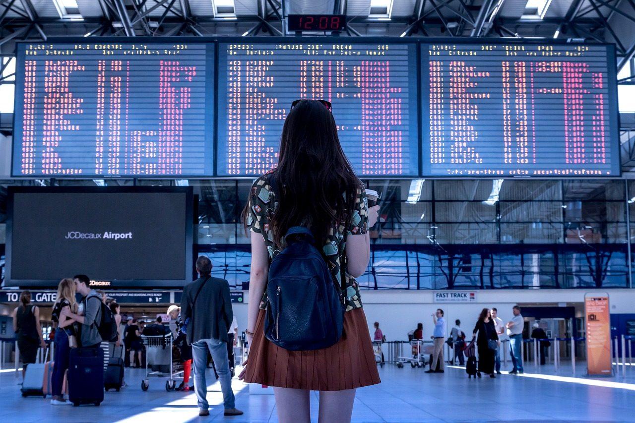 airport-2373727_1280-1280x853.jpg
