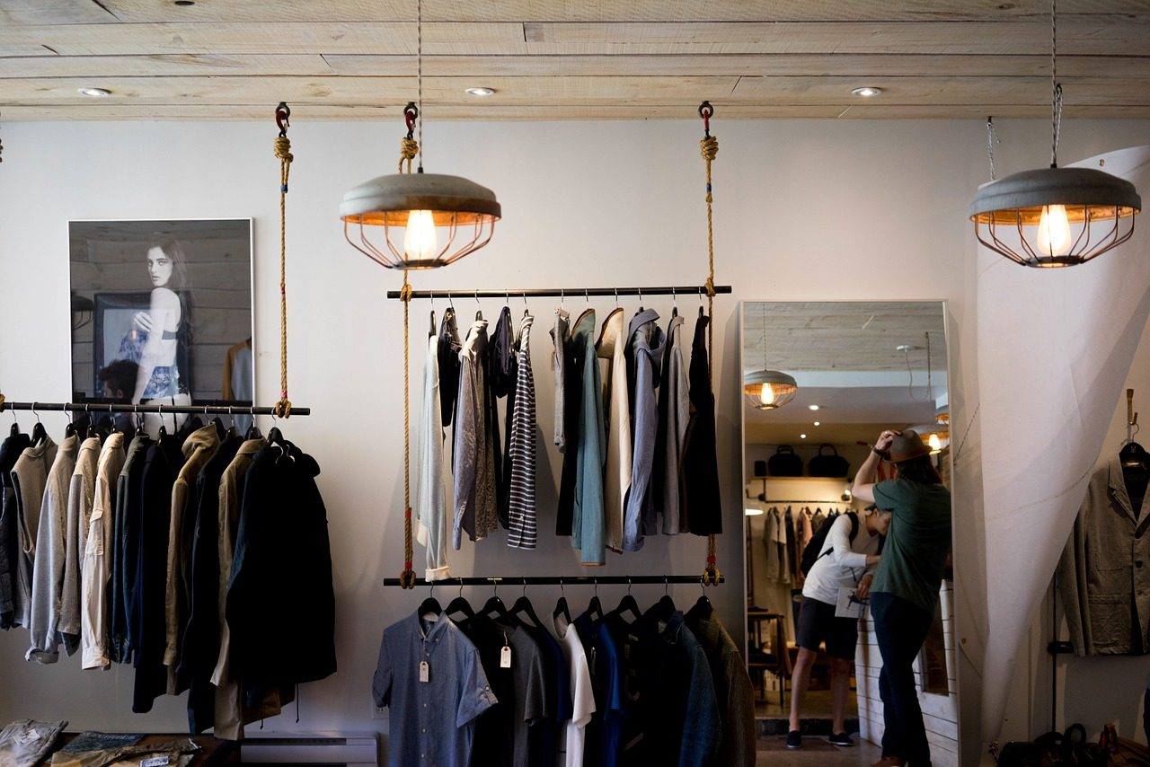 clothing-store-984396_1280-1280x854.jpg