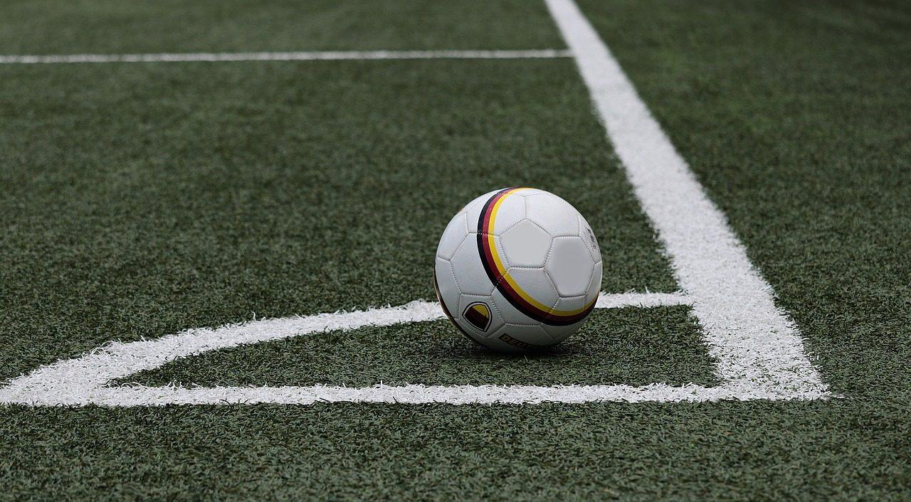 football-3471402_1280-1280x706.jpg