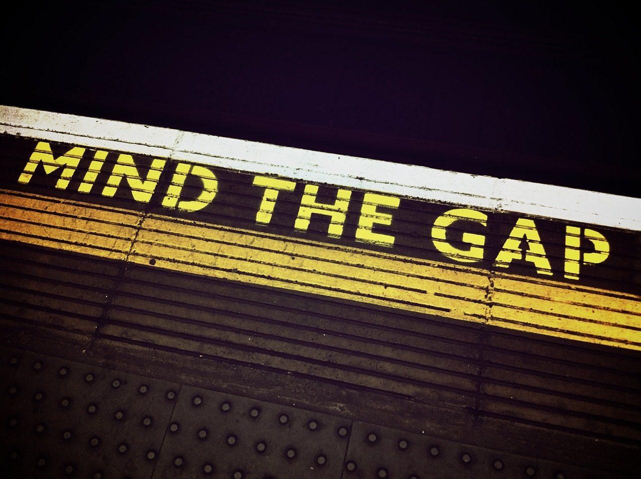 mind-the-gap-1876790_1280-1280x956.jpg
