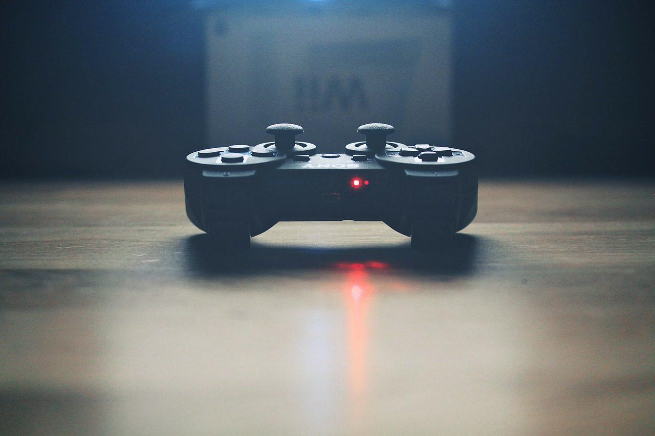 video-controller-336657_1280-1280x853.jpg