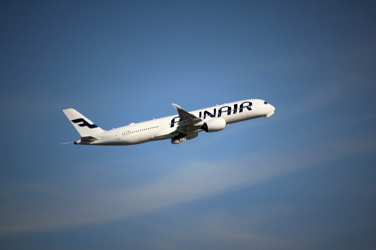 aircraft-1421918_1280-1280x853.jpg