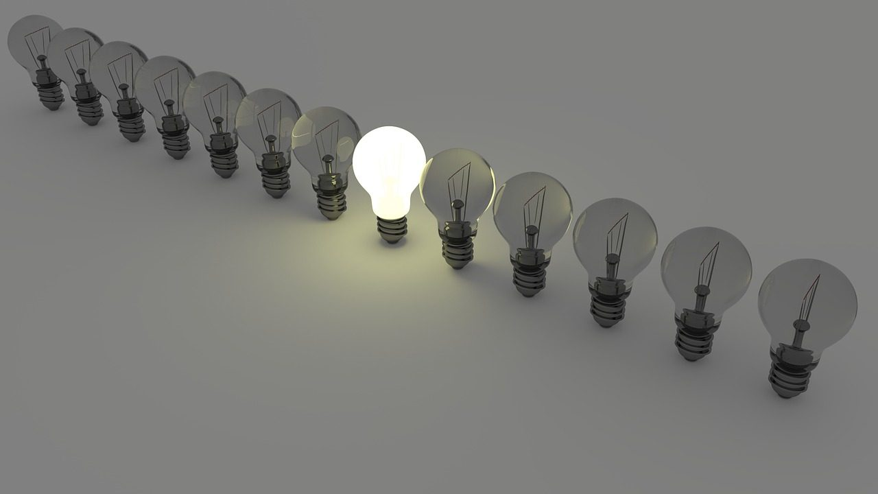 light-bulbs-1125016_1280-1280x720.jpg