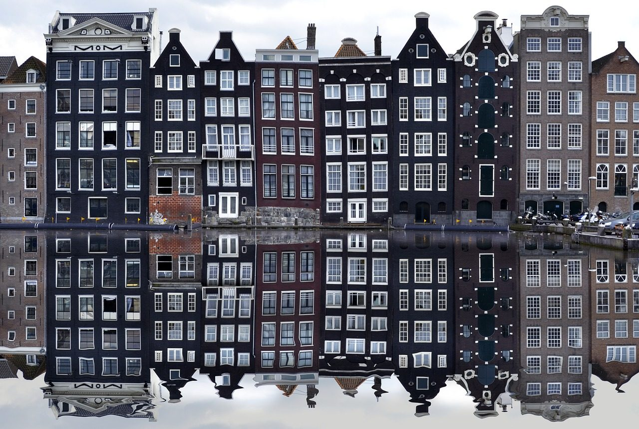 amsterdam-988047_1280-1280x861.jpg