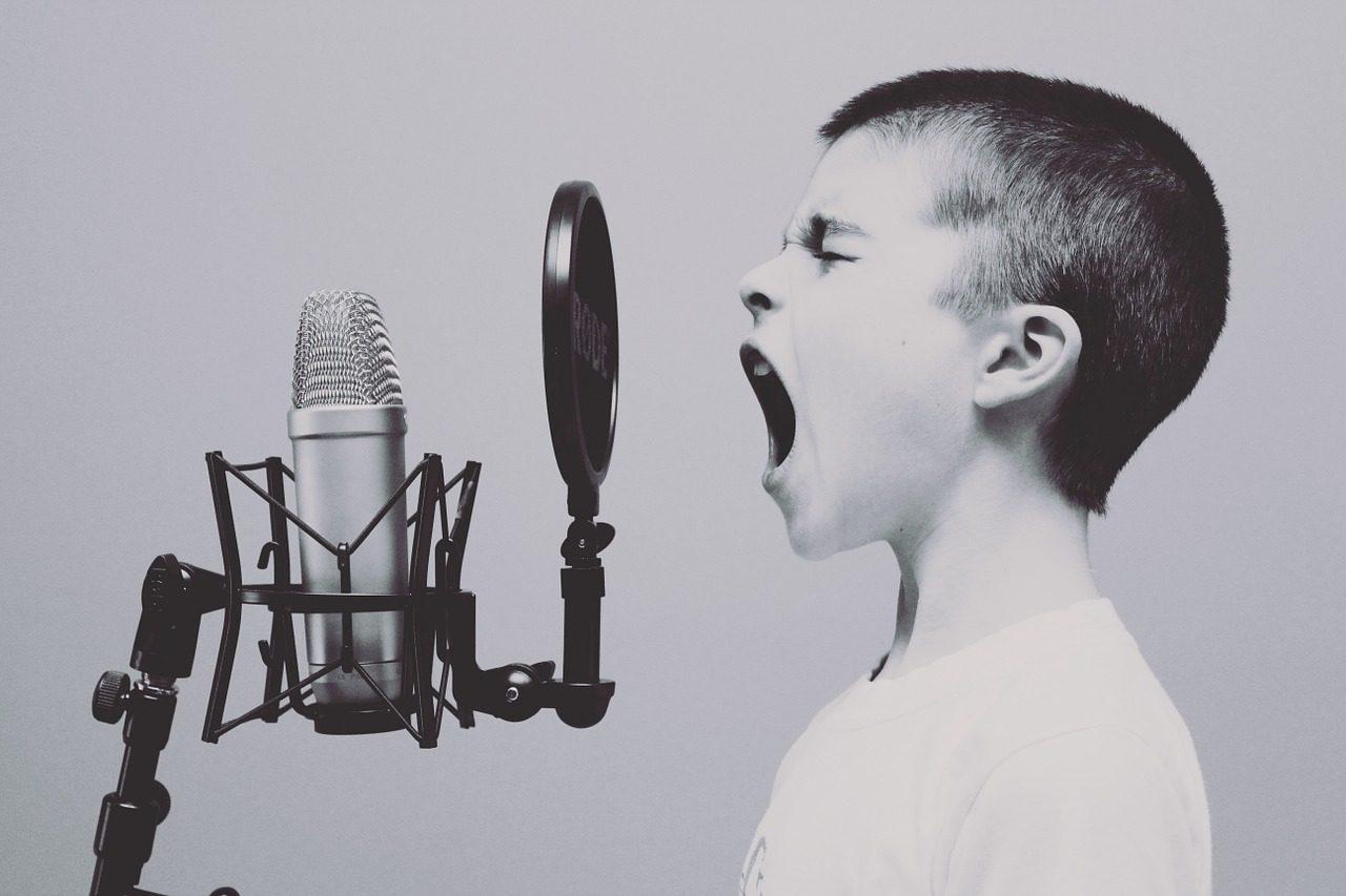 microphone-1209816_1280-1280x853.jpg