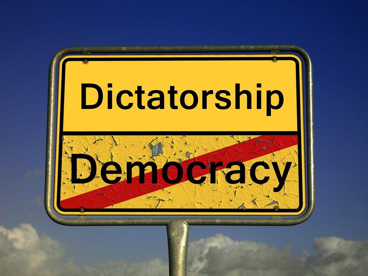 demokratie-2161890_1280-1280x960.jpg