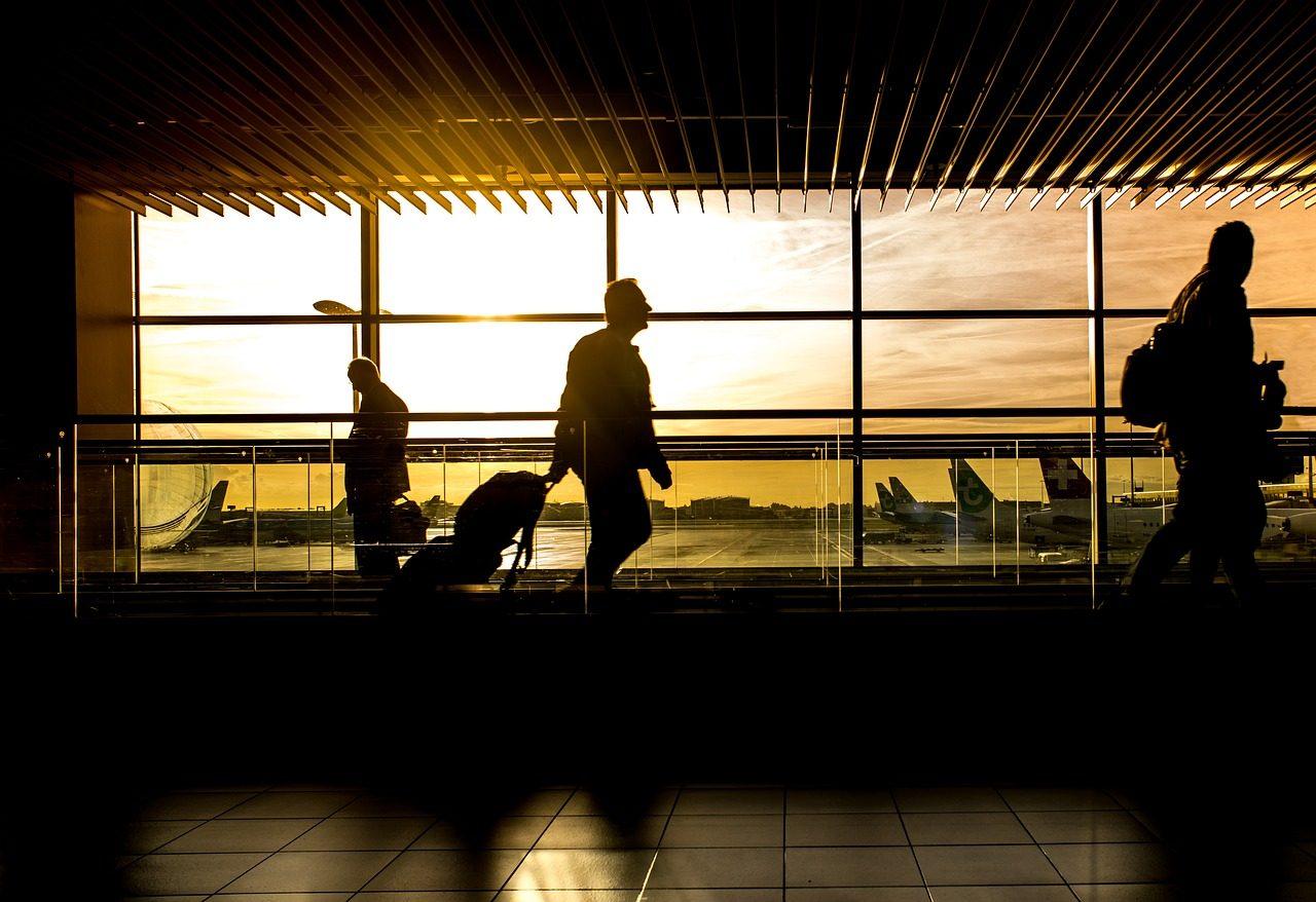 airport-1822133_1280-1280x878.jpg