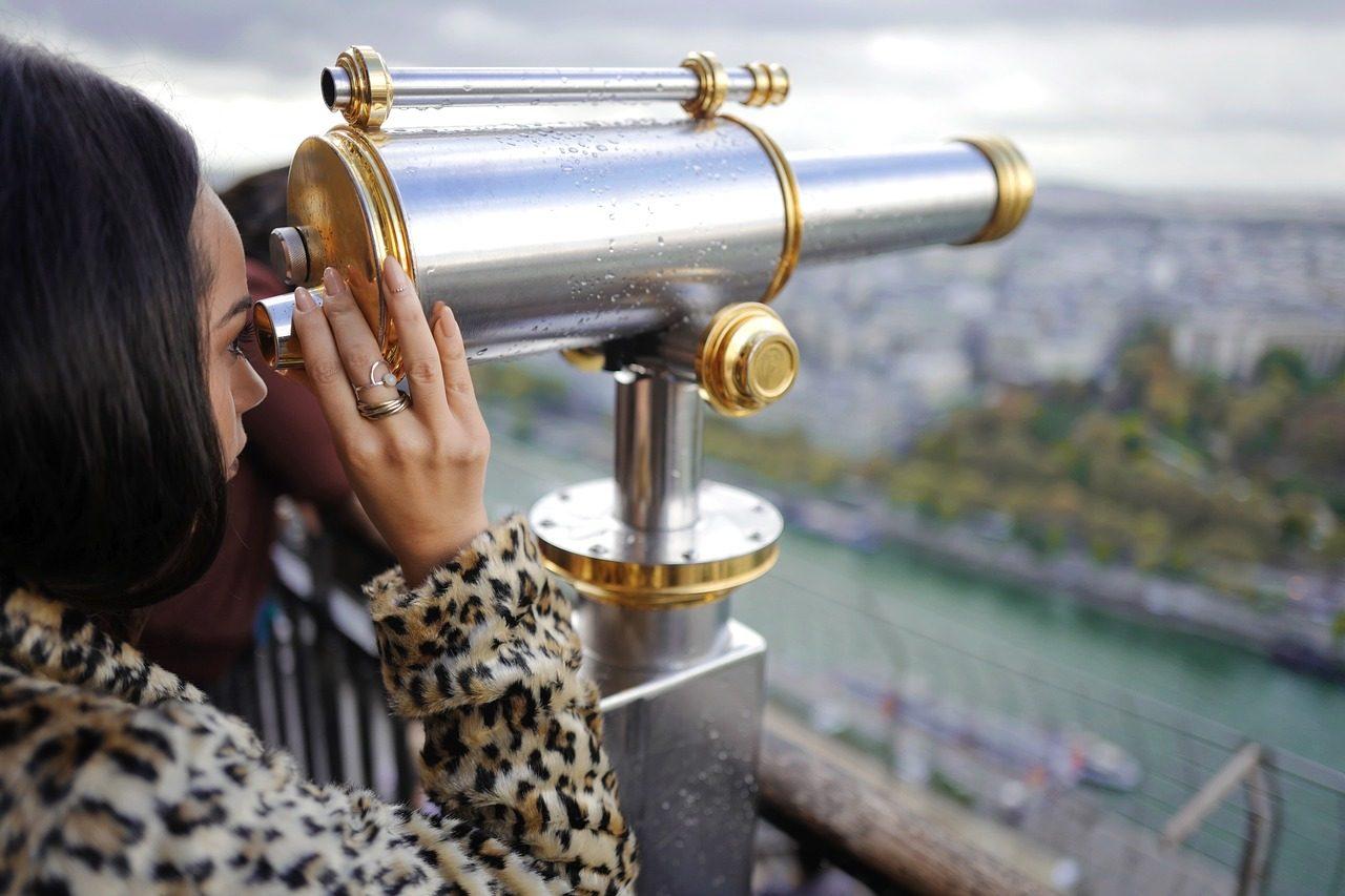 binoculars-1869456_1280-1280x853.jpg