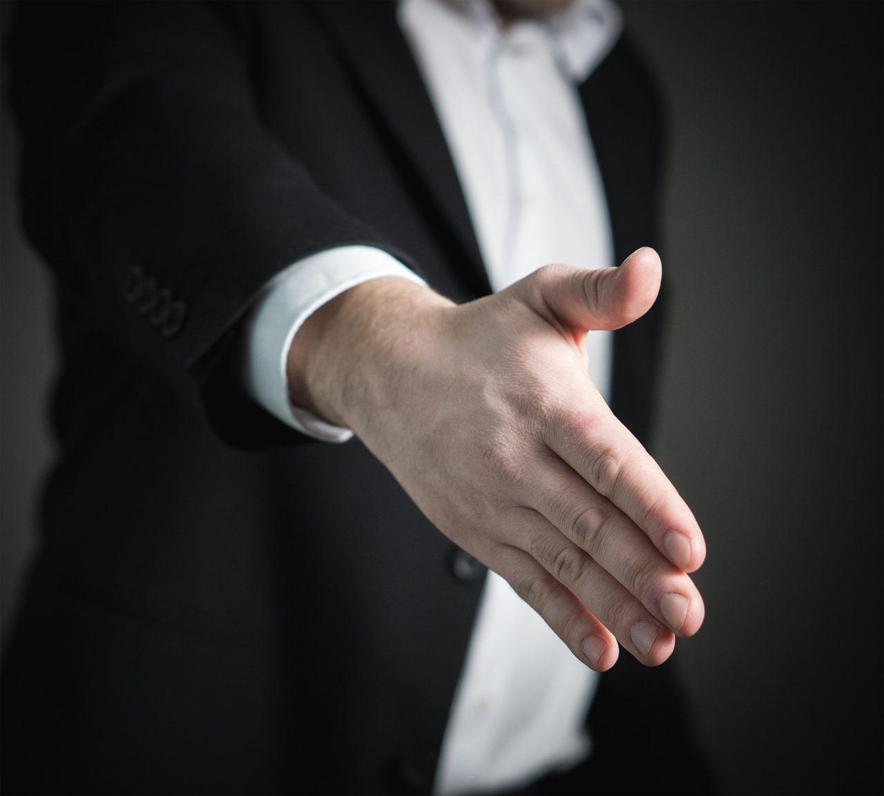 handshake-2056021_1920-1280x1152.jpg