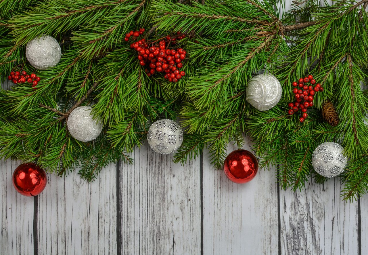 christmas-2937873_1920-1280x886.jpg